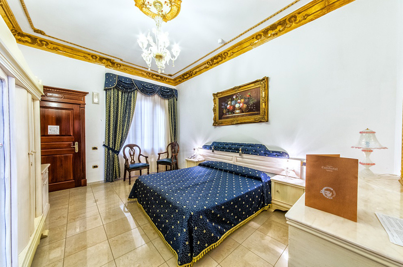 euro_hotel_830