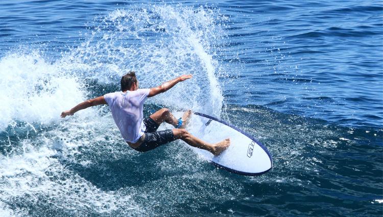 surf_750